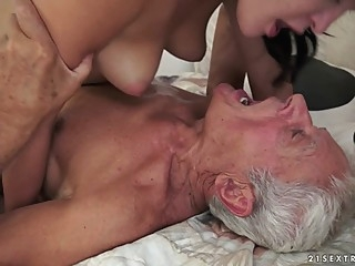 brunette cunnilingus facial at YES PORN PLEASE